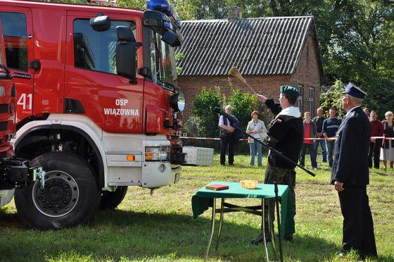 Nowy wóz strażacki dla OSP Wiązowna; źródło: wiazowna.pl