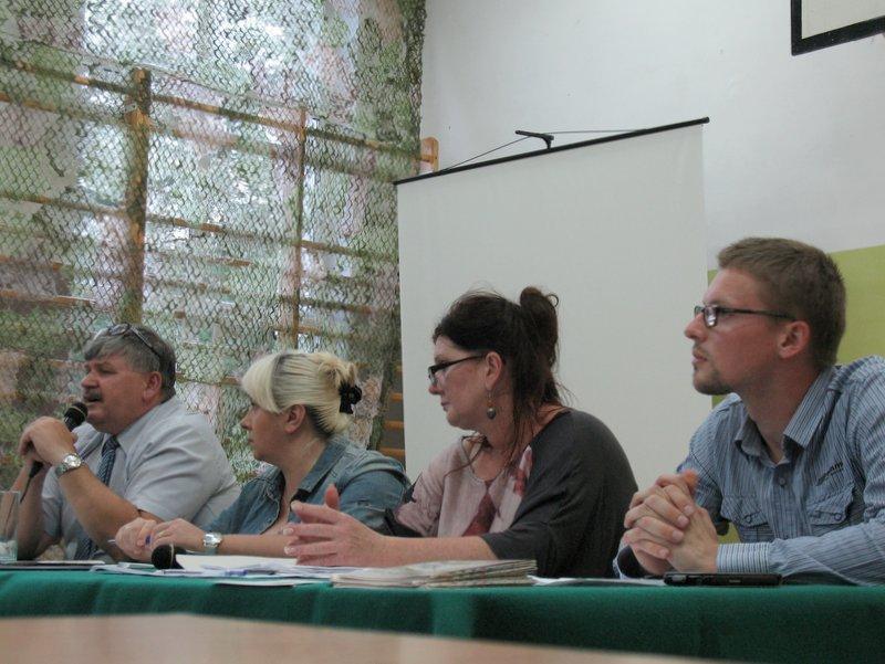 Janusz Budny Wójt Gminy Wiązowna podczas spotkania z mieszkańcami Wiązowny Gminnej, foto: RS