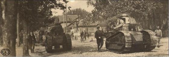 Czołgi Renault FT17 w odbitym Mińsku Mazowieckim 17.08.1920. Źródło CAW