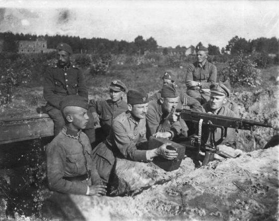 Stanowisko polskiego ciężkiego karabinu maszynowego pod Miłosną, Przedmoście Warszawa sierpień 1920.